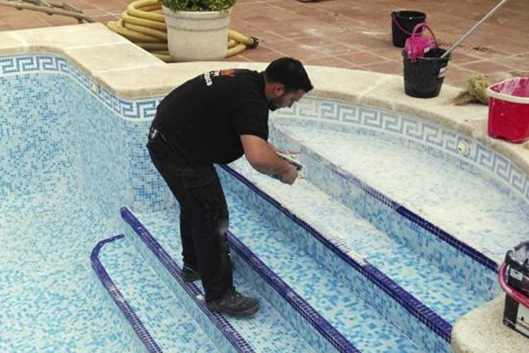 Limpieza de piscinas el rey del desatasco albacete for Vaciado de piscina